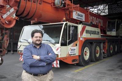 Bernabé Cortez , Presidente del Clúster de Transporte y Logística de Nuevo León.