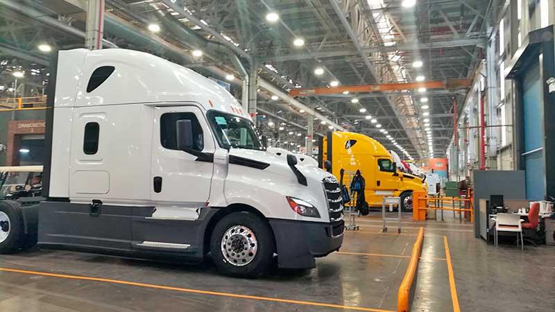 Dailmler Trucks México, única de la industria que elevó ventas en 2020