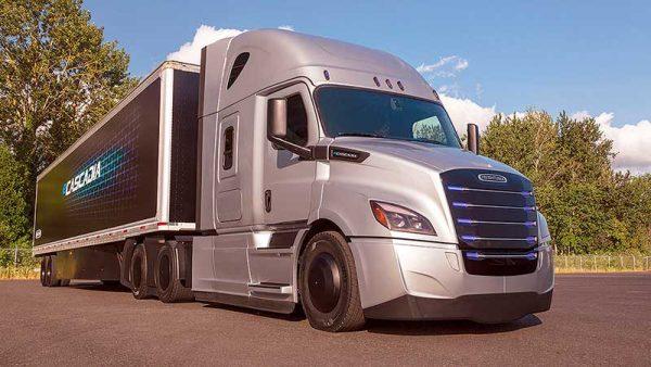 Convoca Daimler Trucks a proveedores aprovechar el T–MEC