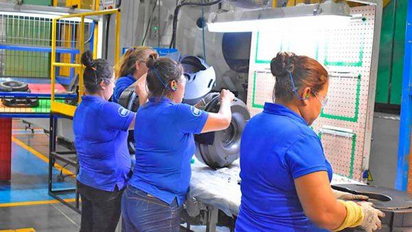 Mayoría de los indicadores de manufactura de Nuevo León están en fase de contracción